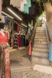 Negozio dell'abbigliamento di Backstreet in Rhodes Old Town Fotografie Stock Libere da Diritti