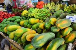 Negozio della frutta della papaia Immagine Stock