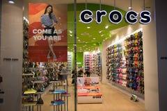 Negozio di Crocs nel festival centrale Chiang Mai Fotografia Stock