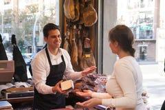 Negozio di jamon e di formaggio Fotografia Stock