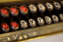 Negozio inglese antiquato fino al registro fotografie stock libere da diritti