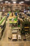 Negozio metallurgico Torni e smerigliatrici, saldatura e tagliatrici Fotografie Stock Libere da Diritti