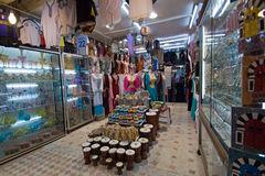 Negozio nel Medina di Tunisi Immagini Stock Libere da Diritti