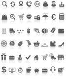 Negro de la colección de los iconos de las compras en blanco