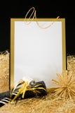 Negro e invitación de Noche Vieja del oro Imagenes de archivo