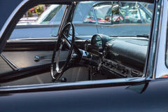 Negro Ford Thunderbird 1956 Fotos de archivo libres de regalías