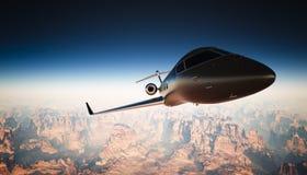 Negro Matte Luxury Generic Design Private Jet Flying de la cabina de la foto en cielo bajo superficie de tierra Fondo de la barra Imagenes de archivo