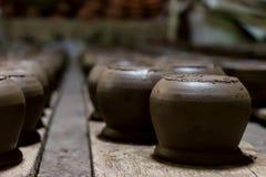Negro tradicional de la loza de barro de la cerámica de cerámica foto de archivo libre de regalías