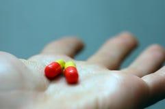 Nehmen der Pillen Stockfoto