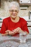 Nehmen der Pillen Stockbilder