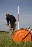 Nehmen der Proben des Bodens und des Grundwassers. Stockfoto