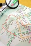 Nehmen der Untergrundbahn in Singapur Stockfotos