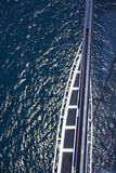 Nehmen einer Kreuzfahrt und Unterlassung von Ozean Stockfotografie