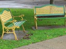 Nehmen Sie einen Sitz und stehen Sie einen Bann still stockfotos