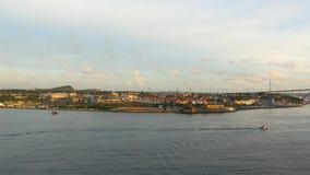 Nehmen Sie am Hafen von Curaçao, Willemstad teil stock video footage