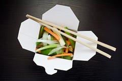 Nehmen Sie Salat heraus Lizenzfreies Stockbild