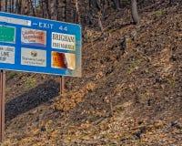 Nehmen Sie Zeichen auf I-84 heraus, Verschlüsse zu kaskadieren Lizenzfreie Stockfotos