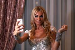 Nehmen von selfi Lizenzfreie Stockfotografie