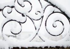 Neige, éléments forgés pendant l'hiver photo stock