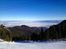 Neige aux montagnes Photographie stock libre de droits