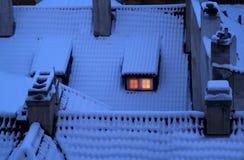 neige couverte de dessus de toit Photo libre de droits