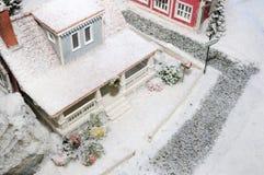 neige couverte de maison photos libres de droits
