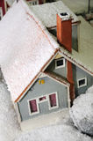 neige couverte de maison Photos stock