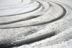 Neige d'hiver Chute de chute de neige importante dans la ville Neige et glace non nettoyées blizzard photographie stock