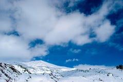 Neige de bâti de l'Etna couverte en Sicile Photographie stock