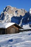 neige de montagne d'horizontal de chalet Photos stock