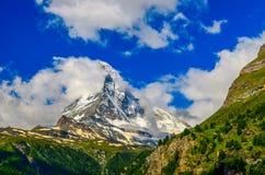 Neige de montagne de Matterhorn couverte images libres de droits
