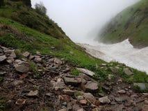 Neige des avalanches en gorge photos libres de droits