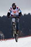 neige extrême faisante du vélo de montagne Image libre de droits