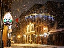 Neige la nuit photographie stock libre de droits