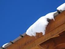 Neige sur le toit Image stock