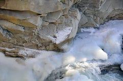 Neige sur une falaise photo stock