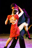 Neigungspaar-Tanzen-Tango Lizenzfreie Stockfotos
