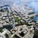Neigungsverschiebung mit hohem Gebäude in Seattle Stockbild