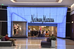 Neiman Marcus sklep przy królewiątkiem Prussia centrum handlowe w Pennsylwania zdjęcie stock