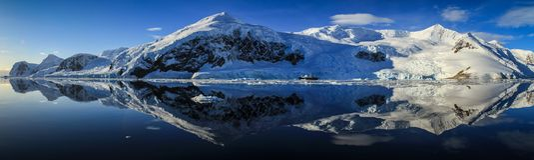 Neko港口的, Neko港口,南极洲完善的反射全景 库存照片