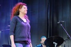 Neko Case, Amerikaanse zanger-songwriter, presteert bij het Correcte 2013 Festival van Heineken Primavera Stock Afbeeldingen