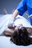 Nekropsie in der Leichenhalle Stockfotos
