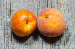 Nektarin och persika royaltyfri fotografi