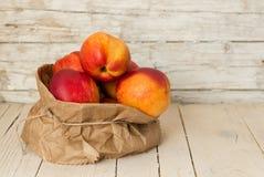 nektaryny zdrowe jeść Obrazy Stock