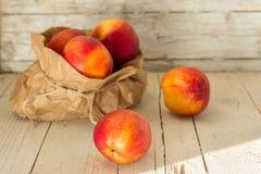 nektaryny zdrowe jeść Obraz Stock