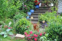 Nel giardino di estate immagini stock libere da diritti