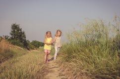 Nel percorso rurale fotografie stock