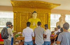 Nel santuario di Ruwanwelisaya Immagini Stock