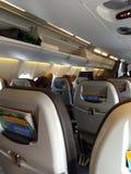 Nell'aereo cabina fotografie stock libere da diritti