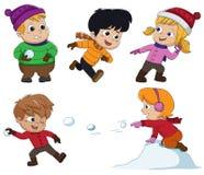Nell'inverno, i bambini giocano nella neve molto allegro vettore e l'IL Immagine Stock Libera da Diritti